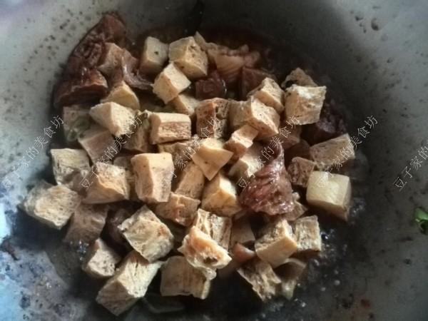 牛腩炖冻豆腐怎么煮
