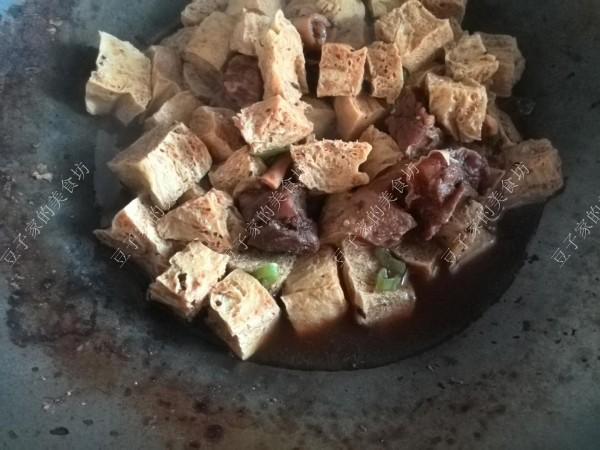 牛腩炖冻豆腐怎么炒