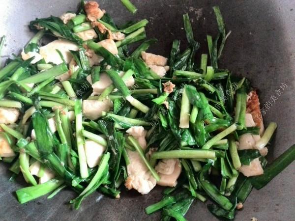 韭菜炒豆腐怎么做