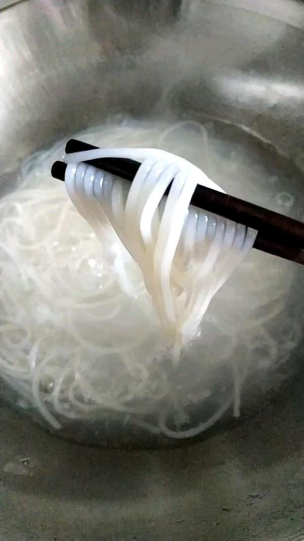 酸辣螺蛳粉的家常做法