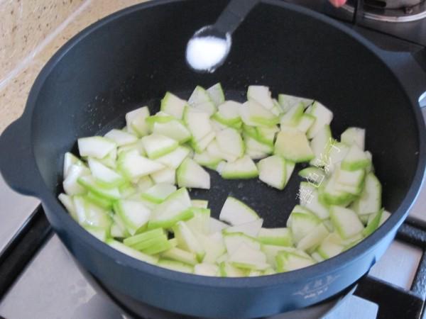 角瓜炖海参的简单做法