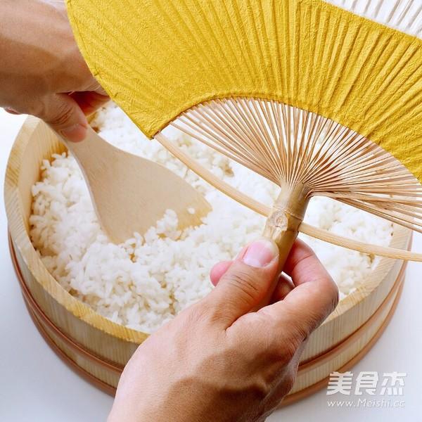 飞跃寿司卷的做法图解