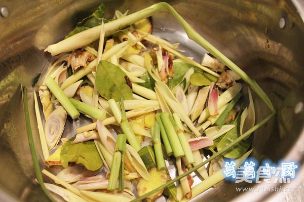 冬阴功海鲜汤的家常做法