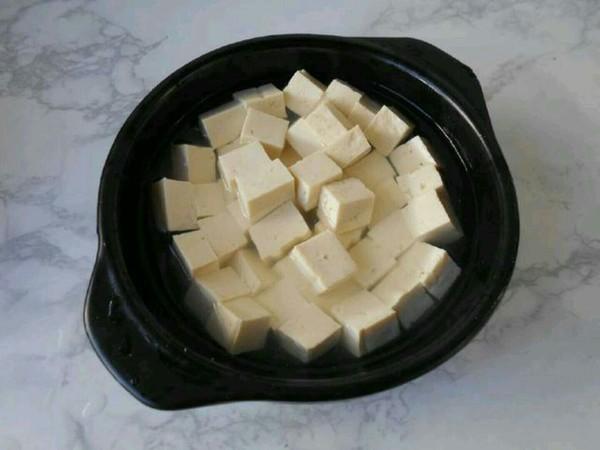香菇肉末豆腐煲怎么煸