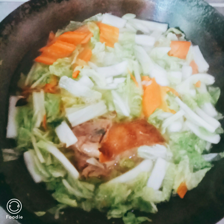 白菜炖肘子怎么炒