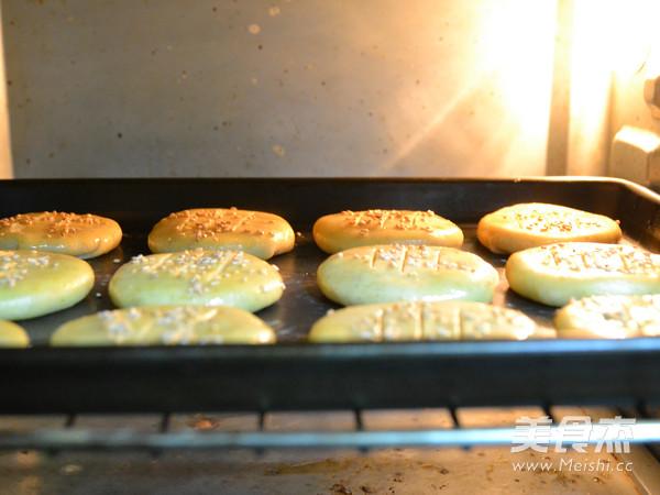 弥补中秋的遗憾-绿豆沙核桃酥饼的做法大全