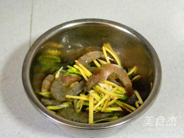 碎渣儿都美味的避风塘炒虾的家常做法