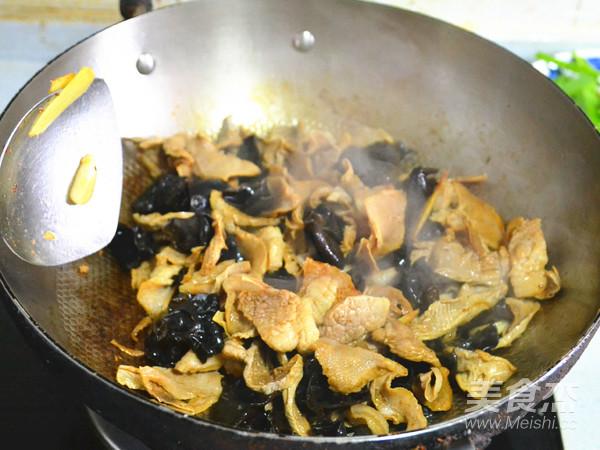 来一盘美味的下饭菜---青蒜腊烧笋干怎么吃