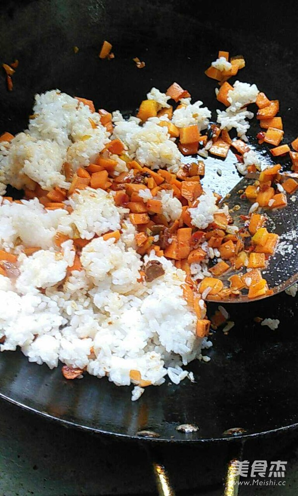 胡萝卜冬瓜炒饭的家常做法