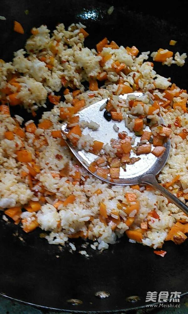 胡萝卜冬瓜炒饭的简单做法