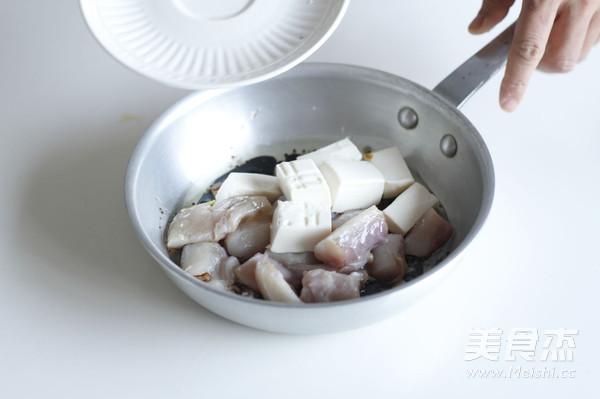 比目鱼炖豆腐的简单做法