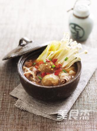 肥牛丸子蔬菜煲的简单做法