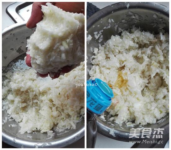 白菜猪肉水饺怎么吃