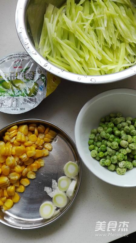 橄榄菜拌莴笋的家常做法