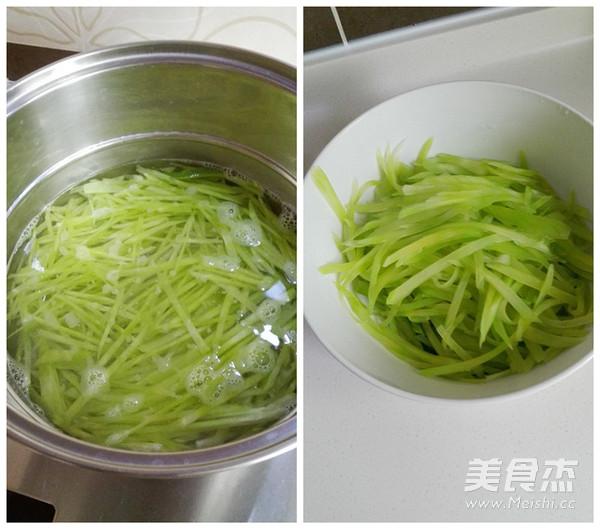 橄榄菜拌莴笋的简单做法