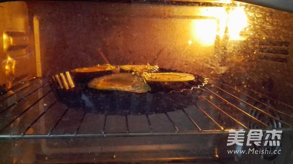 牛油果烤蛋的家常做法