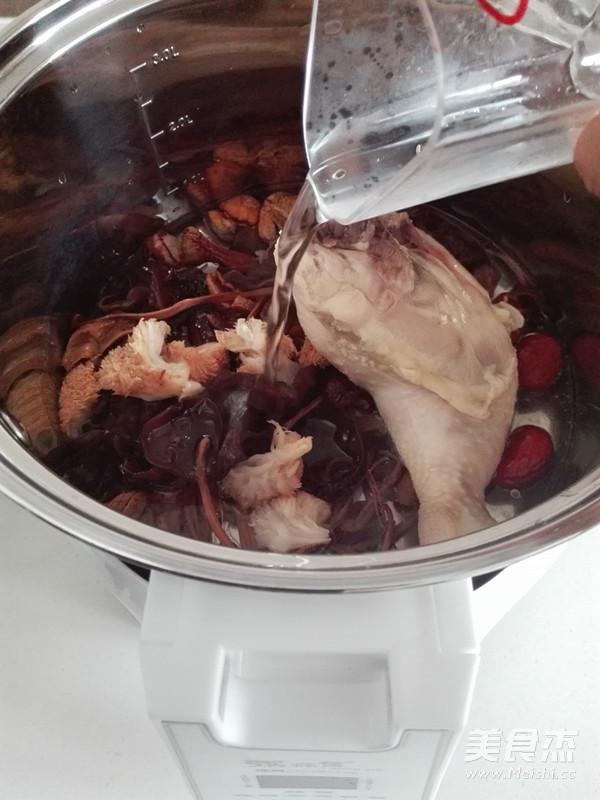 菌菇鸡汤怎么吃