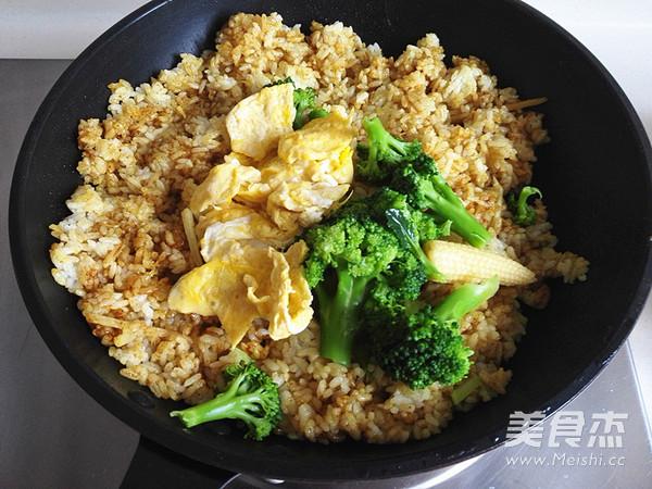 咖喱花菜焗饭怎么炒