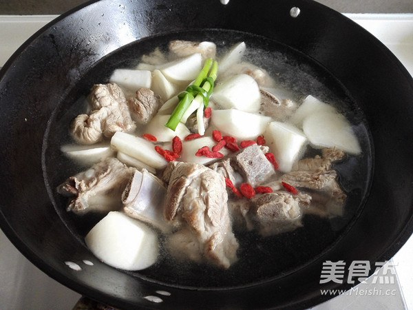 白萝卜排骨汤怎么做