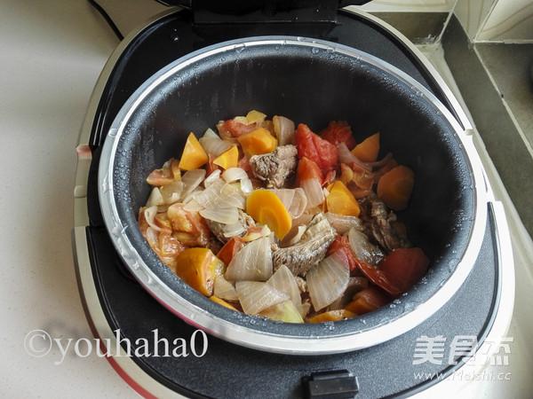 西红柿牛腩煲怎么炖