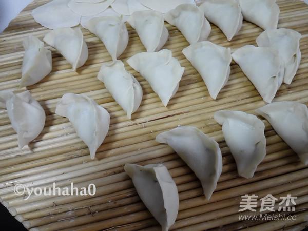卷心菜香菇饺子怎么炒