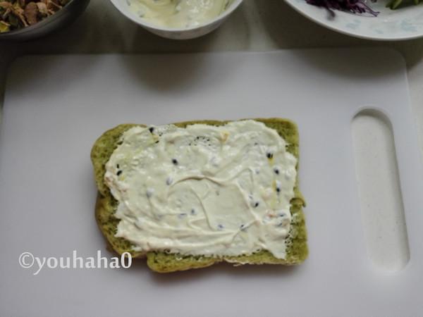 金枪鱼蔬菜三明治的简单做法