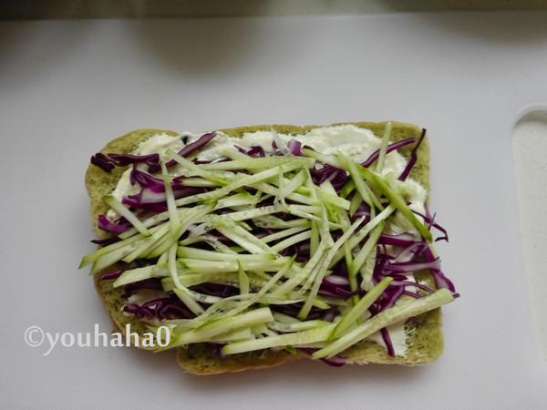 金枪鱼蔬菜三明治怎么吃