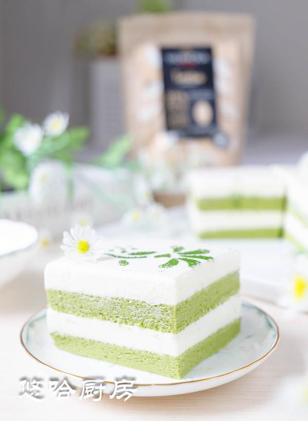 抹茶白巧慕斯蛋糕成品图