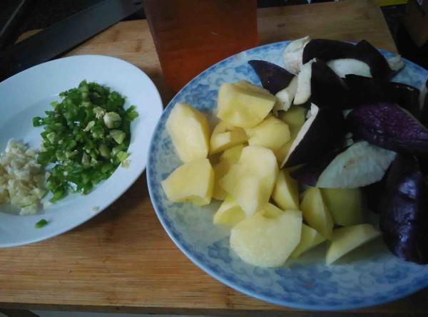 东北土豆炖茄子的做法图解