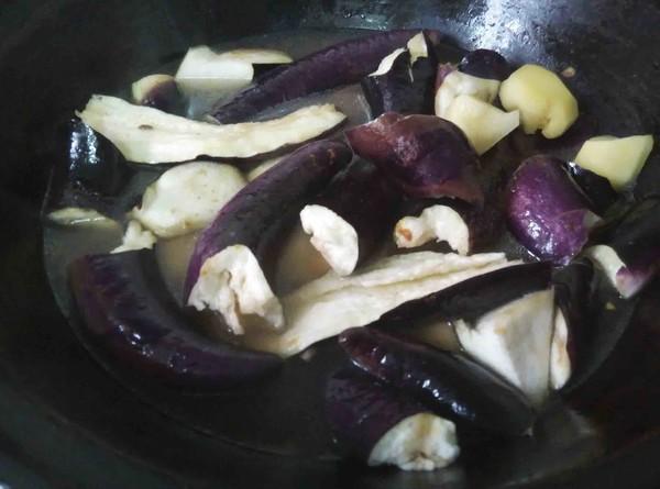 东北土豆炖茄子的简单做法