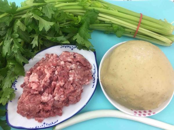 猪肉馅芹菜蒸饺的做法大全