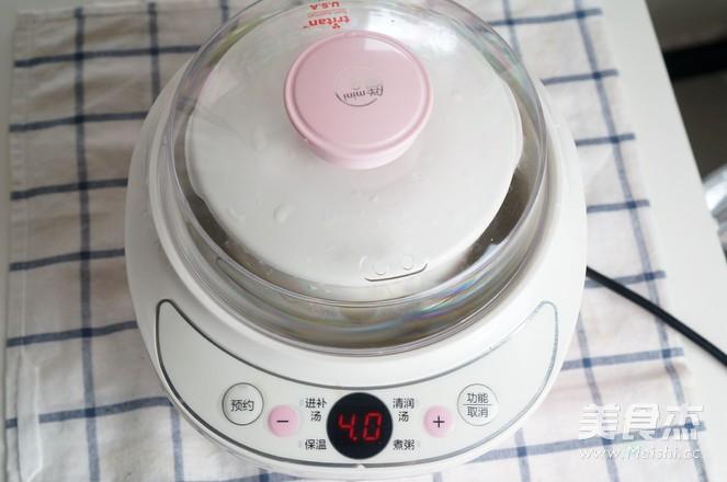 滋润去燥的银耳雪梨汤-——电炖锅食谱的家常做法
