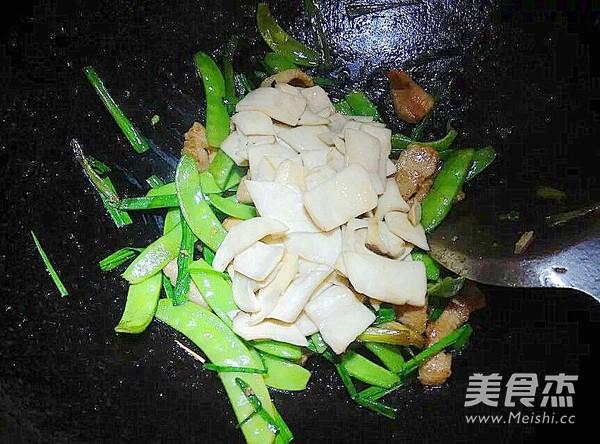 里脊肉杏鲍菇炒荷兰豆怎么吃