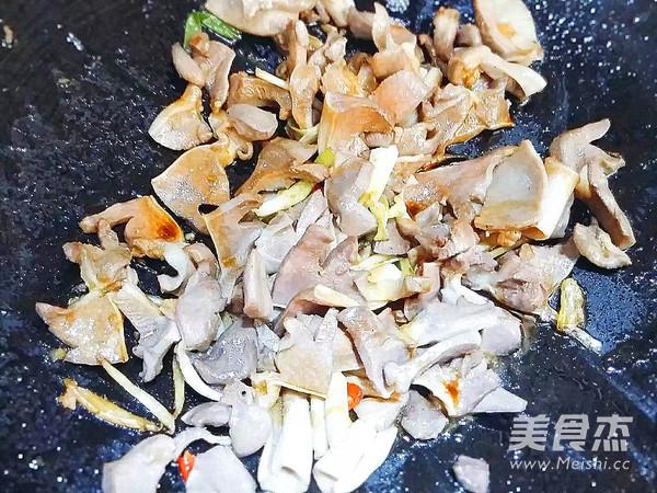 杂蔬炒鸭胗的简单做法