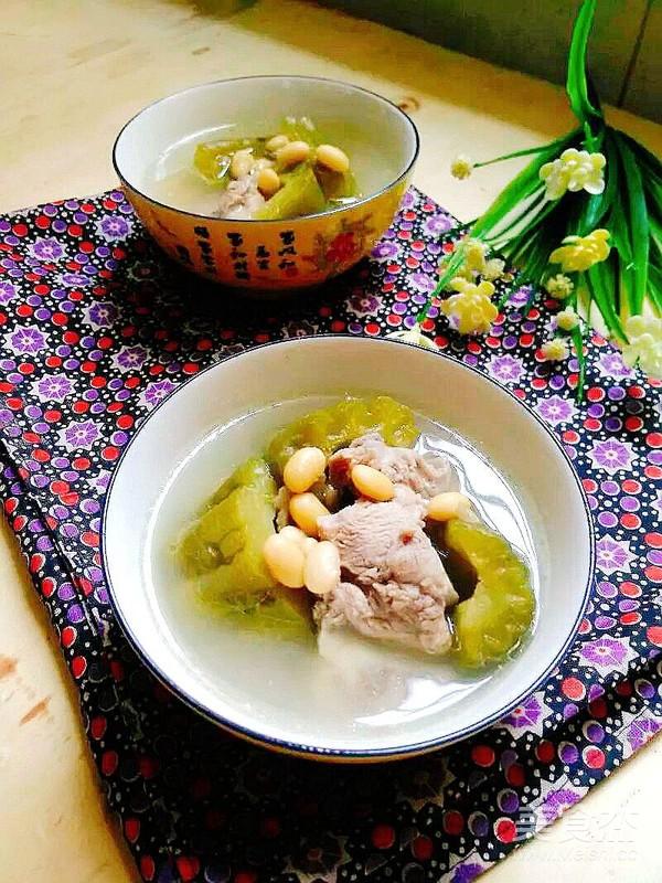 清热消暑~黄豆苦瓜排骨汤成品图
