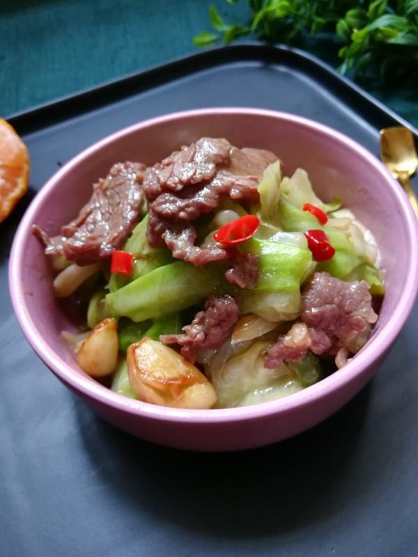牛肉炒包菜成品图
