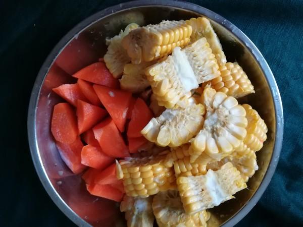 猪尾骨玉米胡萝卜汤的简单做法