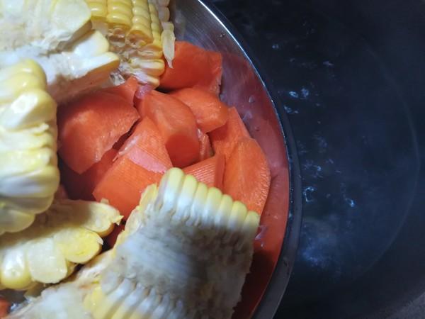 猪尾骨玉米胡萝卜汤怎么吃