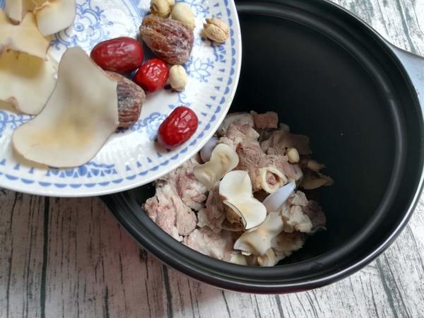 海底椰筒骨汤怎么吃