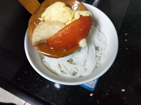番茄鸡蛋米线怎么煸