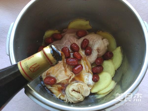 养胃红枣猪肚汤的简单做法