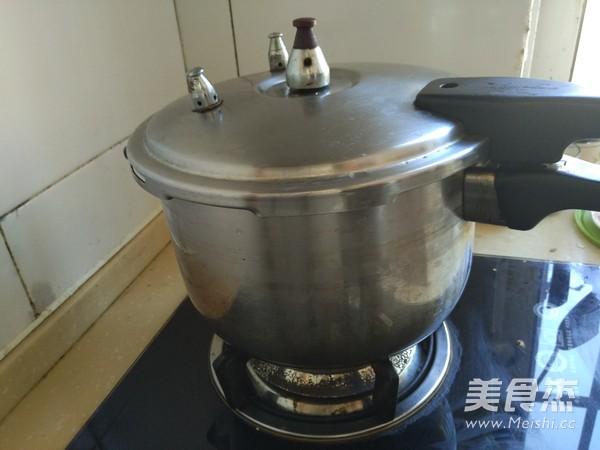 养胃红枣猪肚汤怎么做