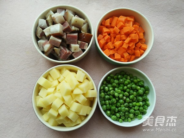 腊肉焖饭的家常做法
