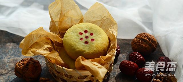 京式自来白月饼成品图