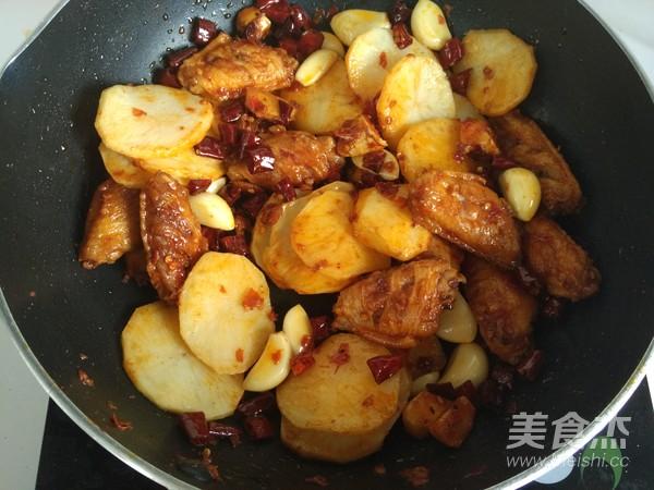 川味干锅鸡翅的制作方法