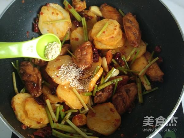 川味干锅鸡翅的做法大全