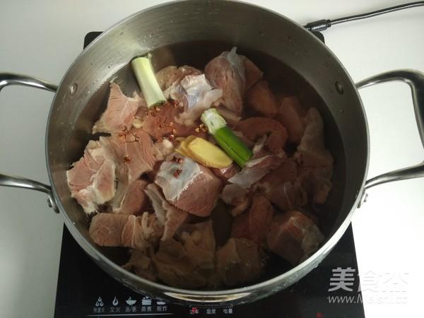 红烧牛肉面的家常做法