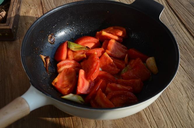 西红柿炖牛腩的简单做法