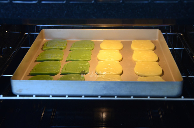 斑斓粉卡通饼干怎样煮