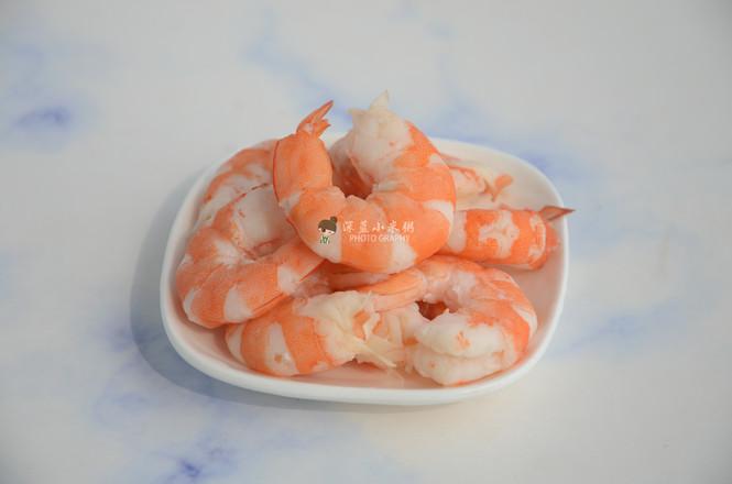 藜麦虾仁蔬菜沙拉怎么煸